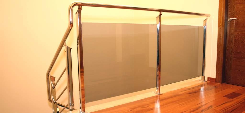 Barandillas de cristal templado en barcelona barandillas de cristal en barcelona barandillas a - Barandilla cristal escalera ...