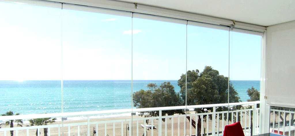 Cristaleria barcelona cerramientos de cristal en barcelona for Acristalamiento de terrazas precios