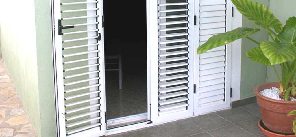 Cristaleria barcelona mallorquinas de aluminio en for Precio ventanas aluminio a medida