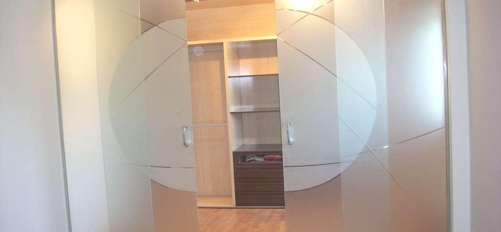 Puerta de cristal barcelona puertas correderas de cristal - Medidas puertas interiores ...